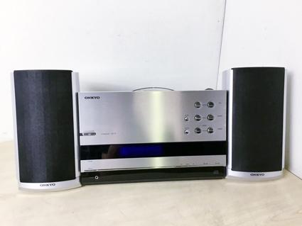 本日の買取品のご紹介★★ONKYO    CDコンポ CR-T2